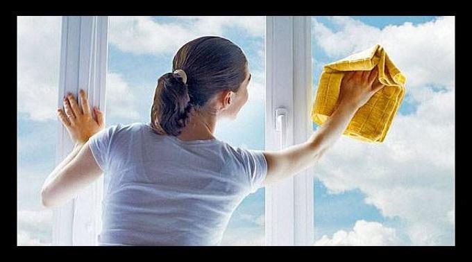 como limpiar ventanas en casas